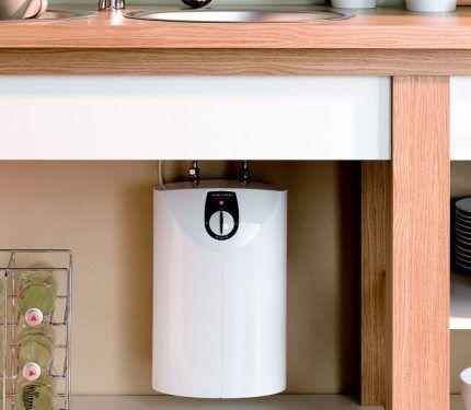 Что лучше накопительный или проточный электрический водонагреватель — Отопление