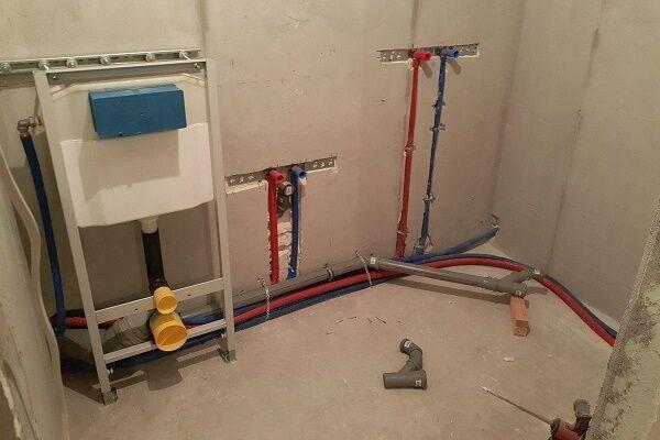 монтаж труб водоснабжения в квартире