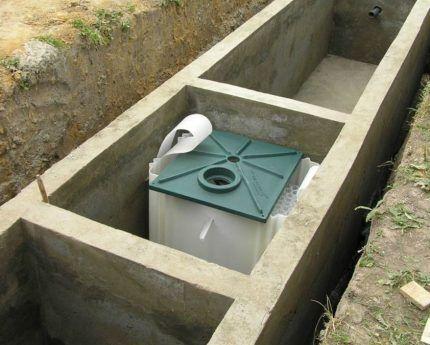 Монтаж в бетонную емкость