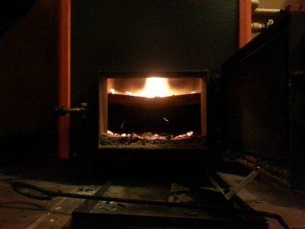 Пламя пиролизного котла