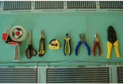 Инструменты для пленочного теплого пола