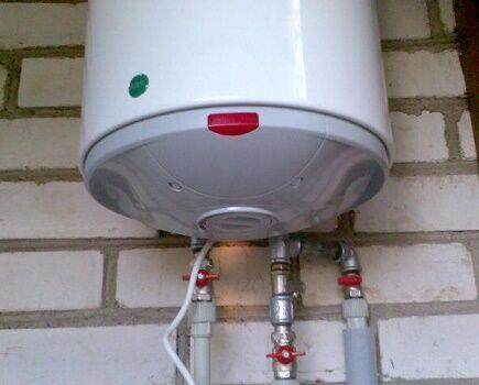 Варианты ремонта своими руками разных видов водонагревателя