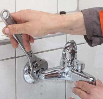 Ремонт однорычажного смесителя своими руками: этапы работы