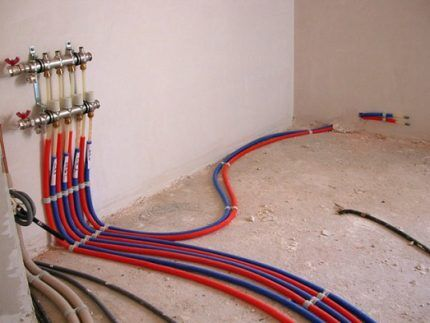 Разводка труб для воляного плинтусного отопления