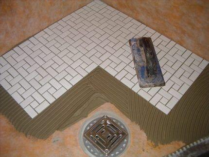 Укладка плитки в душе
