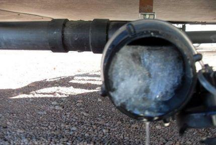 Промерзание канализационной трубы