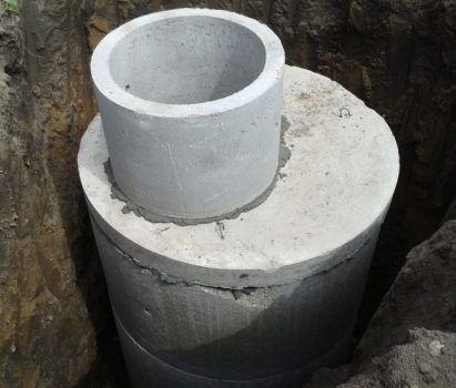 Устройство сливной ямы из бетонных колец