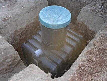 Форма котлована для выгребной ямы из бочки