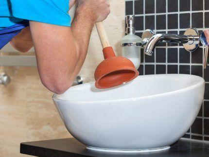 Вантуз от запаха канализации в ванной