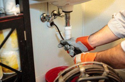 Механическая чистка труб