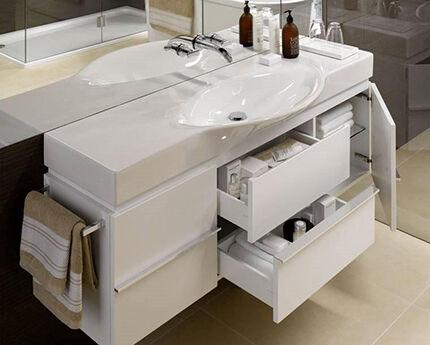 Современная настенная конструкция для ванной