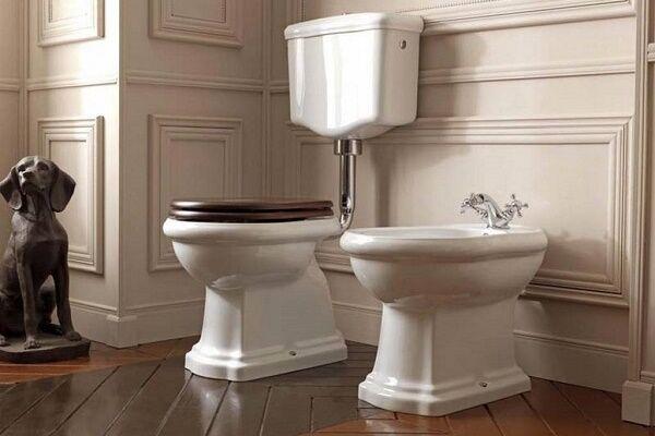 Скрытая камера установленная в унитазе вид снизу в туалете
