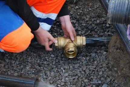 Что приваривается фитинг или сгон к трубам
