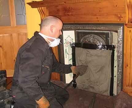Как почистить дымоход аккуратно