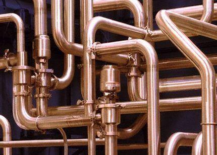 Медные трубы для монтажа водопровода