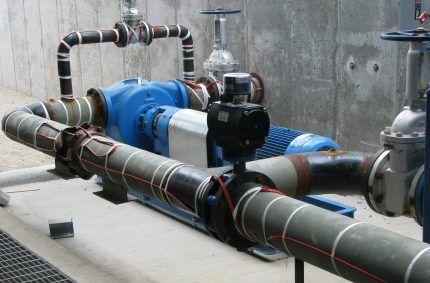 Трубы с саморегулирующимся нагревательным кабелем