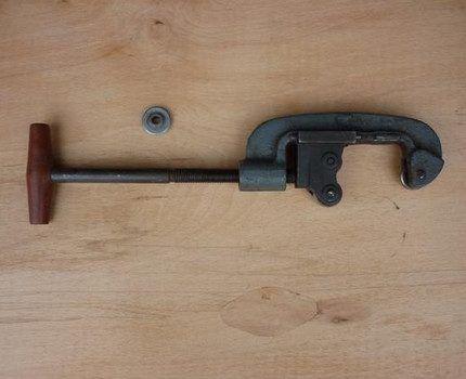 Ручной роликовый труборез для стали