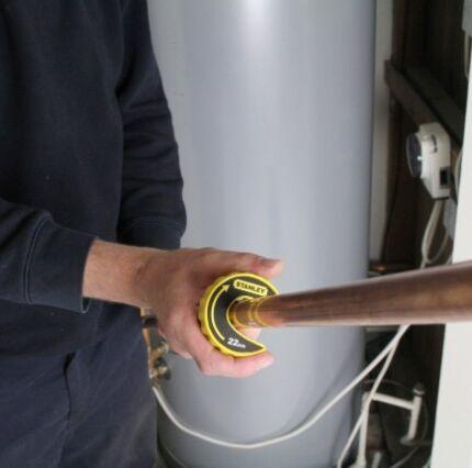 Трубные струбцины обзор моделей для труб 34 на ножках трубчатых 12 и других вариантов Как выбрать