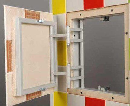 Ревизионное окно, облицованное плиткой