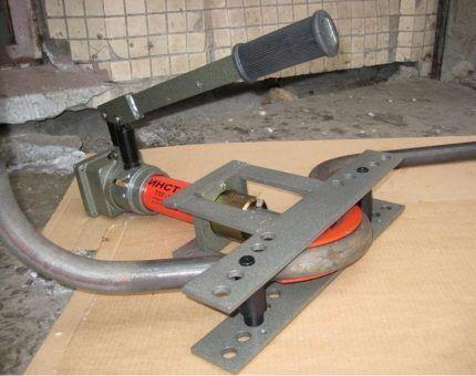 Гидравлический станок для гибки труб