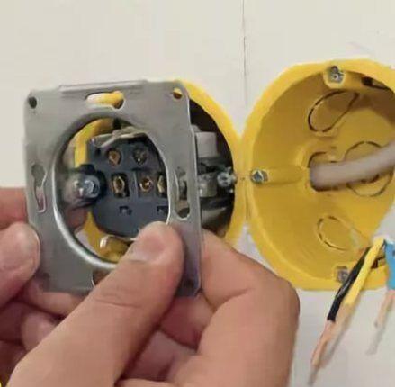 Установка розеток в гипсокартон: как в гипсокартоне сделать розетку