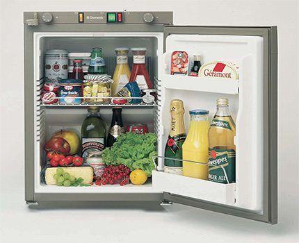 Работающий от 12 Вольт холодильник