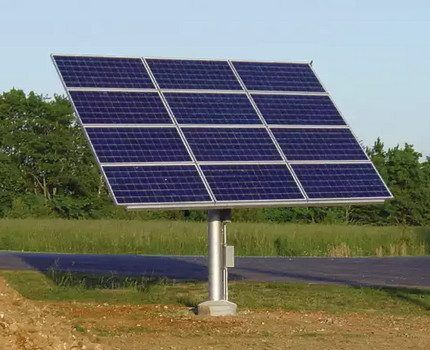 Солнечная панель на трек-системе