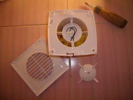 Установка вентиляционного прибора