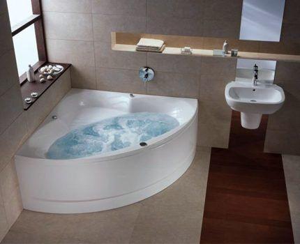 Акриловая ванна с гидромассажным оборудованием
