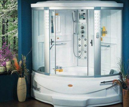 Гидробокс, совмещающий удобства ванны и душа