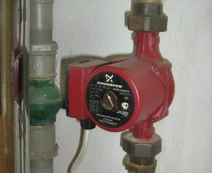 Установка циркуляционного насоса в подающий трубопровод