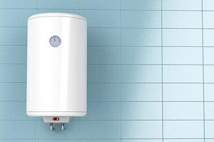 Недорогой электробойлер в ванной