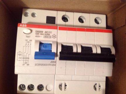 Четырёхполюсный автомат выключатель