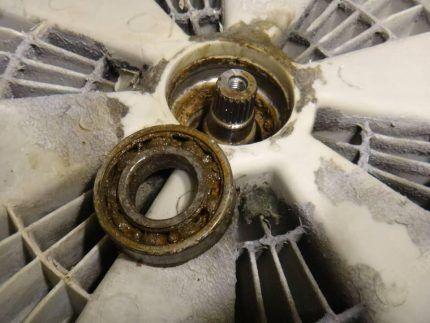 Демонтаж подшипника у стиральной машины