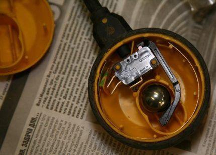 Разобранный поплавковый выключатель