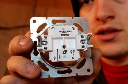 Проходной выключатель для дома