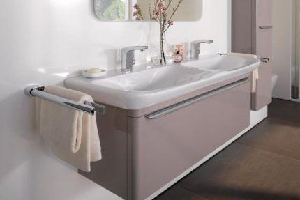 Керамическая модель в интерьере ванной