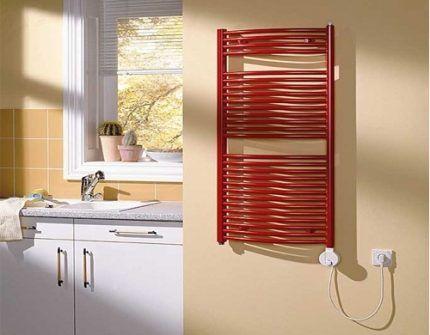 Электрический полотенцесушитель в ванной