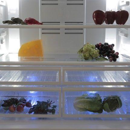 Чистый холодильник после разморозки