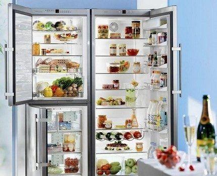 Холодильник с двумя дверьми