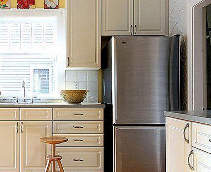 Холодильник Электролюкс в интерьере кухни