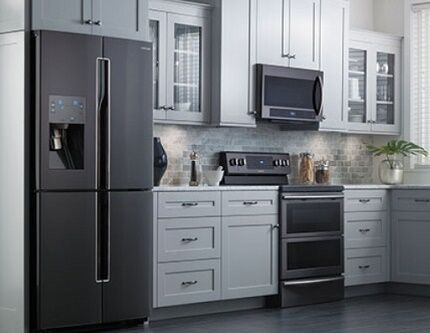 Преимущества холодильников Шарп