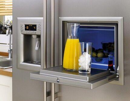 Ледогенератор в многодверном холодильнике