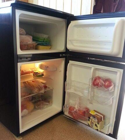 Шумная работа мини холодильников