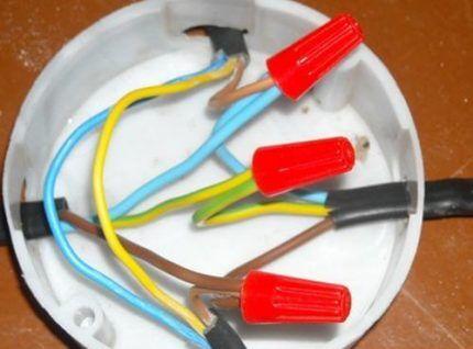 Колпачки СИЗ для соединения проводов