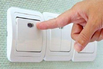 Конструкция перекрестного выключателя