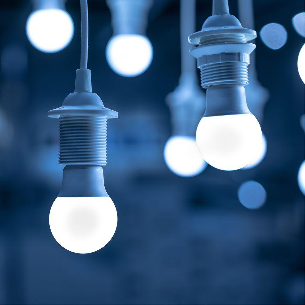 Почему лампа постоянно горит и не реагирует на выключатель