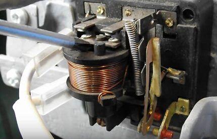 Тепловая защита компрессора с применением позисторов