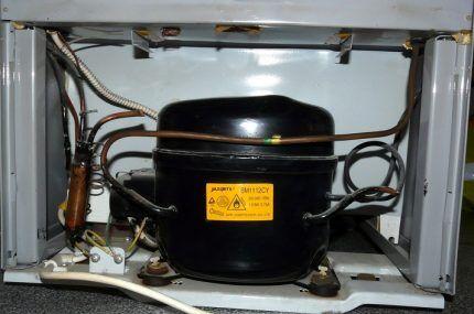 Компрессор холодильника