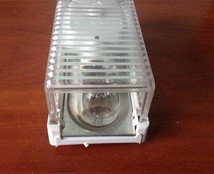 Плафон лампы для холодильника фирмы Liebherr